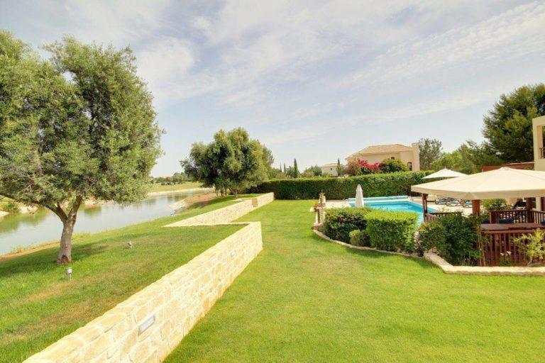 6 Reasons You'll Want to Stay at Villa Eleaina